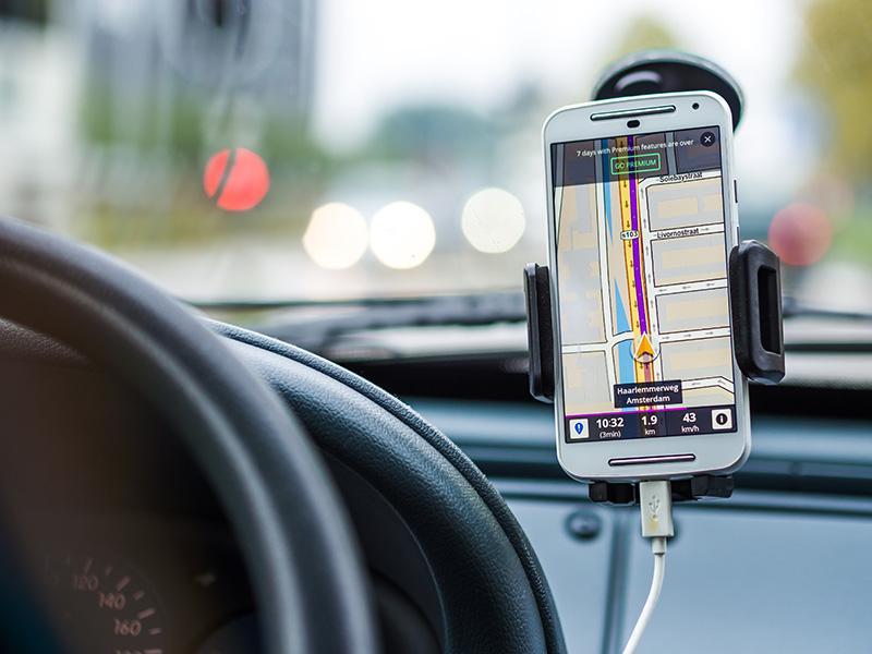 """[El Mercurio] Encuentran automóviles robados en dos """"encerronas"""" usando el servicio de GPS de una de las víctimas"""